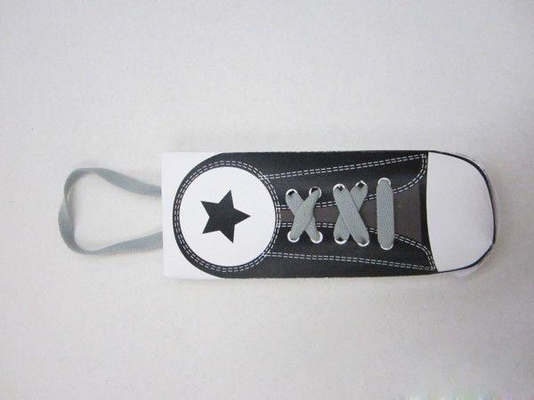 一款鞋带创意包装设计制作